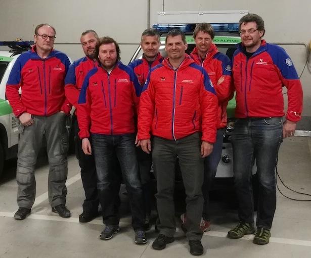 Der neue gewählte Ausschuss (v.l.n.r.): Jakob Geier, Lars Pizzini, Ulrich Perathoner, Mauro Luterotti, Robert Frenademez, Bernhard Mock, Hansjörg Prugg