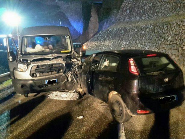Der Unfall auf der Mältnerstraße (Fotos: FF Terlan)