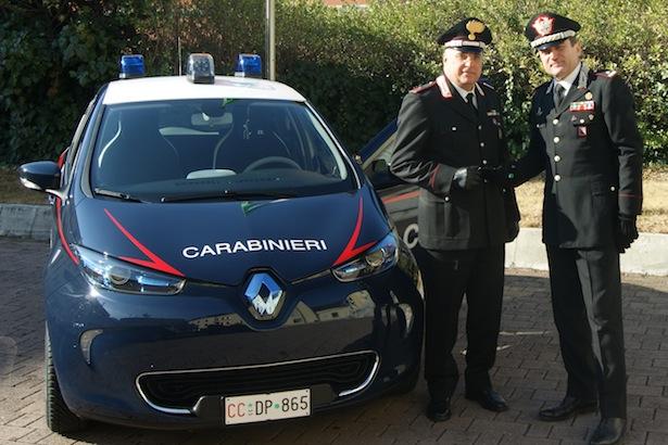 General Mennitti übergibt das neue E-Auto
