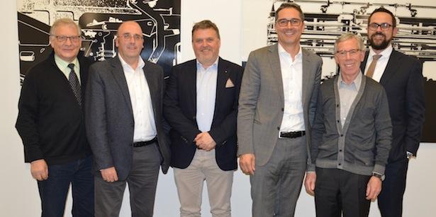 V.l.n.r.: Josef Platter (VSS-Vorstandsmitglied), Klaus von Dellemann (VSS-Geschäftsführer), Michael Pichler (VSS-Obmannstellvertreter), Landeshauptmann Arno Kompatscher, Günther Andergassen (VSS-Obmann), Ivan Bott (VSS-Vorstandsmitglied)