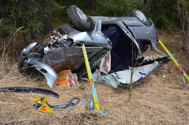 Der Unfallwagen (Alle Fotos: FF Stegen)