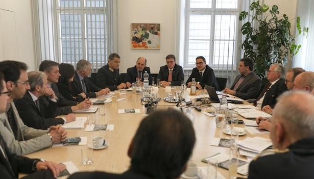 platter_sitzung_euregio_taskforce_floochtlinge_landhaus_ek