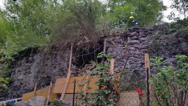 Eingestürzte Mauer (Fotos: FF Milland)
