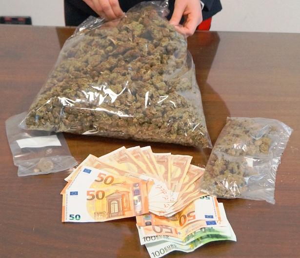 20170418-il-narcotico-sequestrato-dai-carabinieri-di-brunico