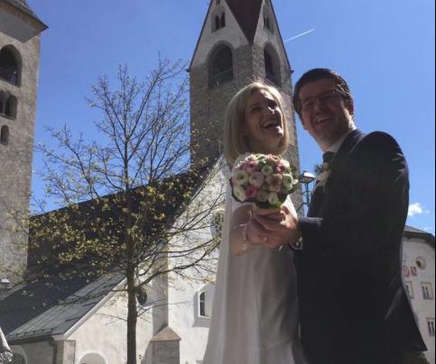 Martin Ausserdorfer mit Ehefrau (Foto: Facebook)