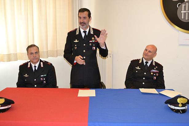 Die Carabinieri bei der Pressekonferenz (Fotos: Karl Oberleiter)