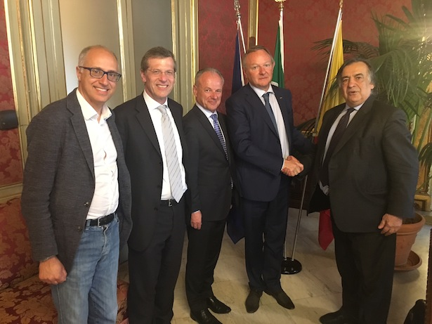 (v. l.) Vincenzo Barbaro, Josef Tschöll, Wilfried Albenberger, Manfred Pinzger und Leoluca Orlando