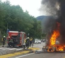 Ferrari in Flammen