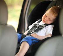 Kind im Auto gelassen