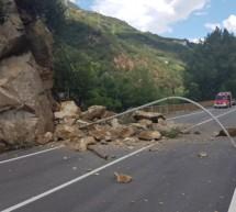 Straße nach Steinschlag gesperrt