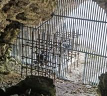 Installation in der Höhle