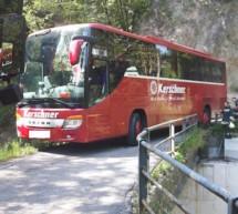 Bus bleibt stecken