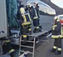 Busunfall auf der Autobahn