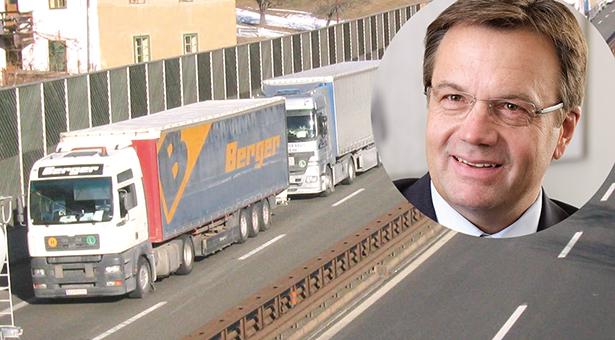 Bozen: Blockabfertigungen und Stau auf der A93 - beim Brenner-Gipfel sollen Lösungen gefunden werden | Bayern