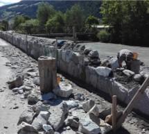 Schutzmauer in Laas