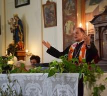 Bischof bei den Gefangenen