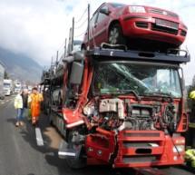 Crash zwischen 2 Lkw