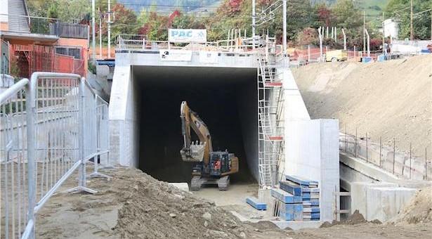 Der hineingeschobene Tunnel