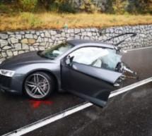 Auto in zwei Teile gerissen
