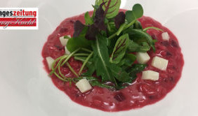 Rote Beete-Risotto mit Rucola