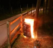 Brennende Mülltonnen