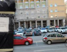 Bettler am Parkplatz