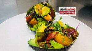 Avocadosalat mit Tomaten & Minze