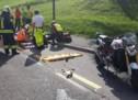 Motorrad fährt auf Pkw auf