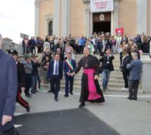 Bischof Tomasi im Amt
