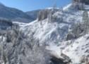 Hubschrauber gegen den Schnee
