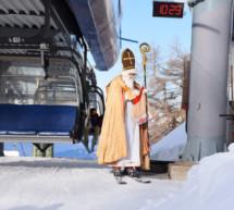 Nikolaus auf Skiern
