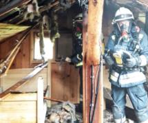 Hütte im Flammen