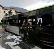 Brennender Linienbus