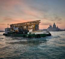 Riesenkran in Venedig