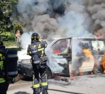Lieferwagen in Brand