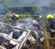 Wohnwagen in Flammen