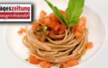 Spaghetti mit rohen Tomaten