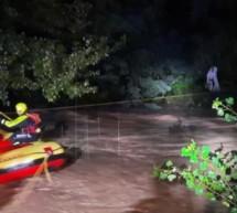 Person aus Wasser gerettet