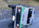 Geländewagen kippt um